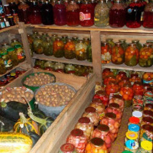 Ящики для хранения овощей в погребе. Погреб для хранения овощей - советы по обустройству