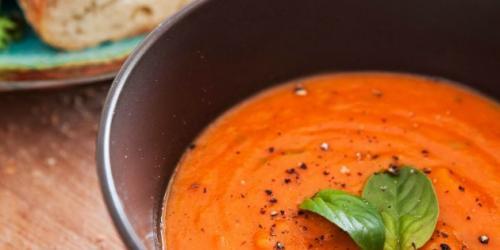 Рецепты с базиликом.  Томатный суп с базиликом
