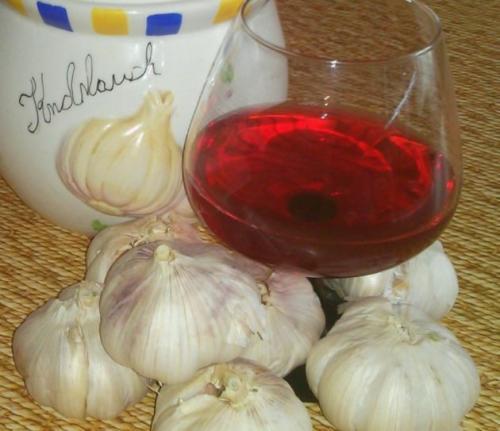 Вино с чесноком. Красное вино с чесноком эффективное лечение сосудов!