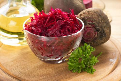 Сырая свекла рецепты. Как приготовить салат из сырой свеклы — вкусные рецепты