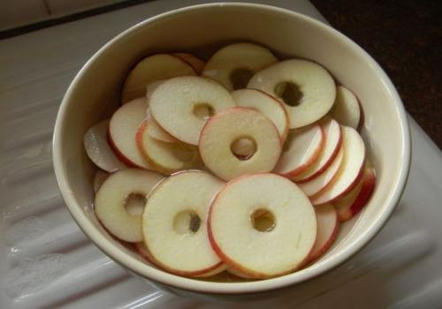 Сушить яблоки в сушилке, как. Особенности сушки яблок в электросушилке
