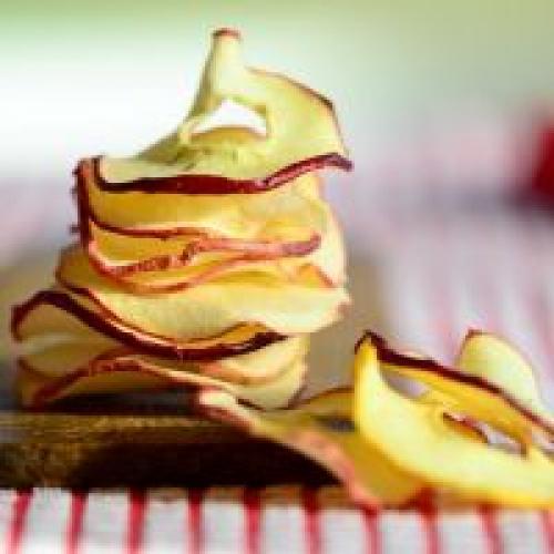 Сушить яблоки в микроволновой печи. Как сушить яблоки в микроволновке?