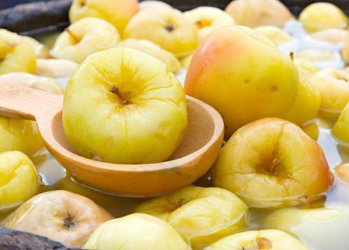 Квашение яблок в домашних условиях. Моченые яблоки с корнем пастернака