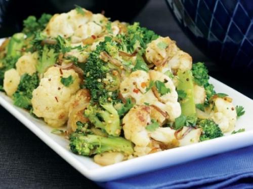 Брокколи и цветная капуста в духовке с сыром. Запеченные в духовке цветная капуста и брокколи