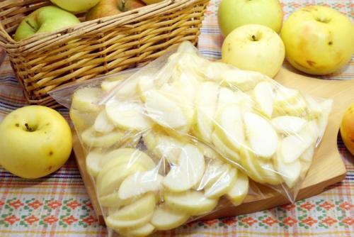 Можно ли морозить яблоки на зиму в морозилке для компота. Можно ли замораживать яблоки на зиму для компота и шарлотки